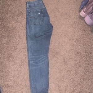 Levi's Iconic Wedgie size 27 fits more like a 26